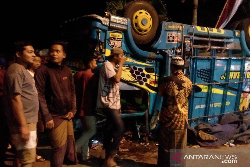 Detik-detik Kecelakaan Maut di Jember, Truk Fuso Mengalami Rem Blong, Ngeri - JPNN.com