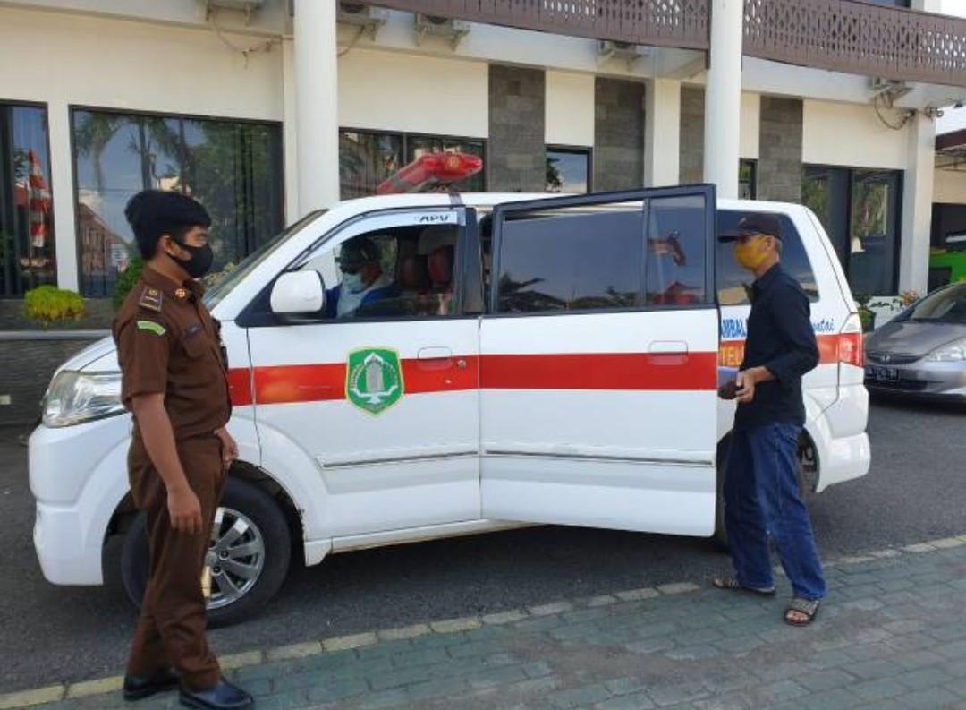 Terpidana Korupsi Digarap Pakai Ambulans - JPNN.com