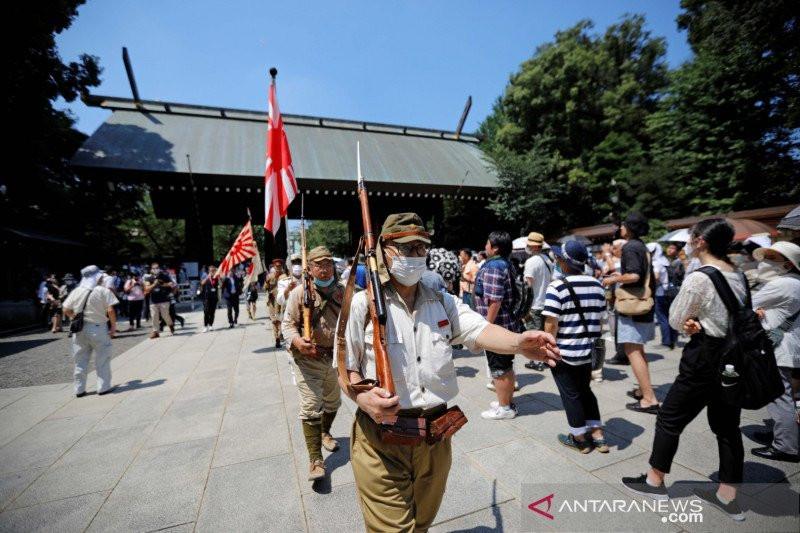 Peringatan 75 Tahun PD II, PM Jepang Bersumpah Menjauhi Perang - JPNN.com