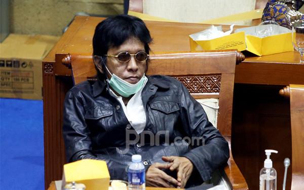 Kritikan Adian Napitupulu Untuk Erick Thohir Menohok Banget - JPNN.com