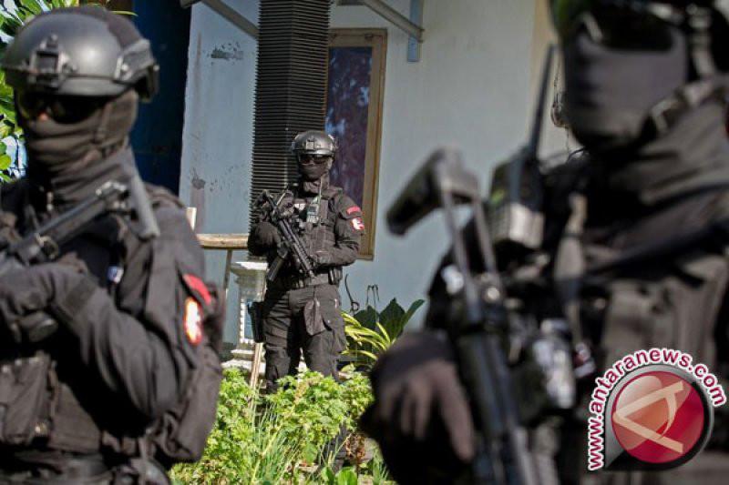Densus 88 juga Tangkap Tukang Survei Calon Korban Teroris - JPNN.com