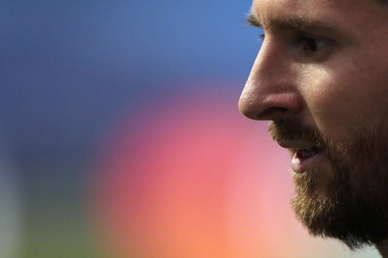 Hmmm.., Messi Sepertinya Masih Akan Bertahan di Barcelona - JPNN.com