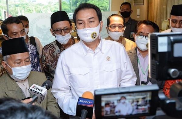 Azis Mengajukan Permintaan ke Anies Baswedan, Menyentil Aparat Keamanan - JPNN.com