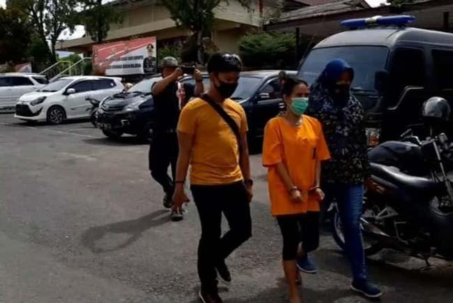 Anggun Tak Berkutik Saat Sabu-sabu Ditemukan di Mobilnya - JPNN.com