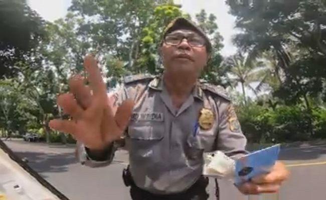 2 Polisi Pemeras Turis Jepang Masih Bebas Bertugas - JPNN.com