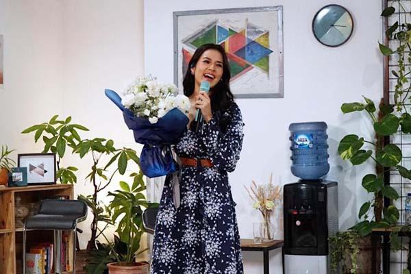 Aqua Menggandeng Raisa untuk Mengajak Ibu Penuhi Hidrasi Sehat - JPNN.com