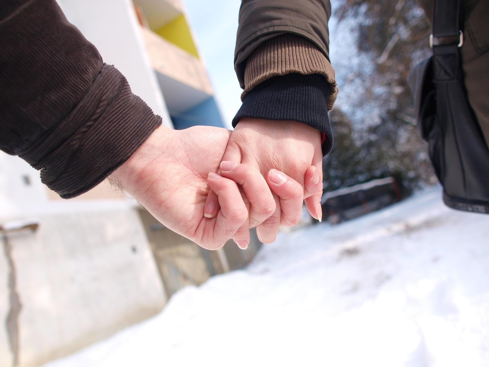 6 Ciri Gebetan Menyukaimu Juga - JPNN.com