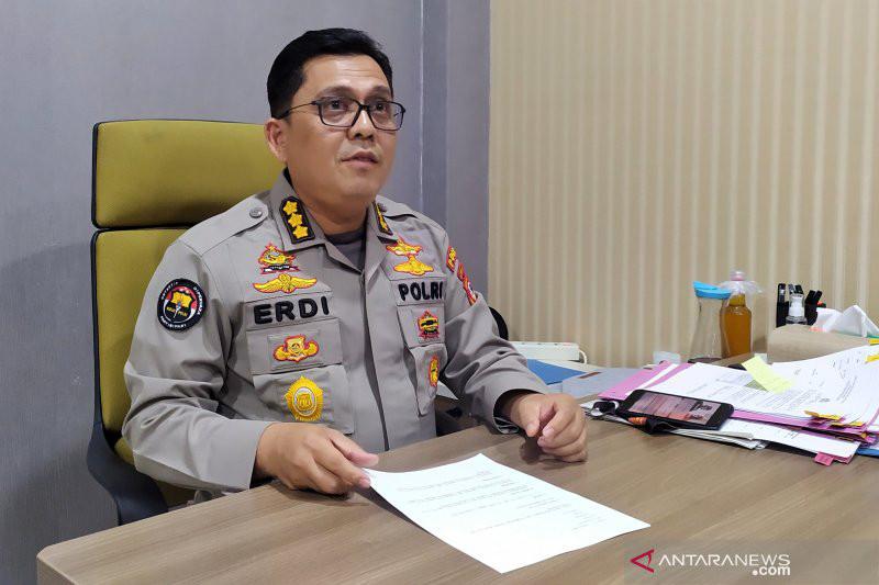 Aksi HS Terbilang Nekat, Tabrak Gerbang Polres dan Merebut Senjata Petugas - JPNN.com
