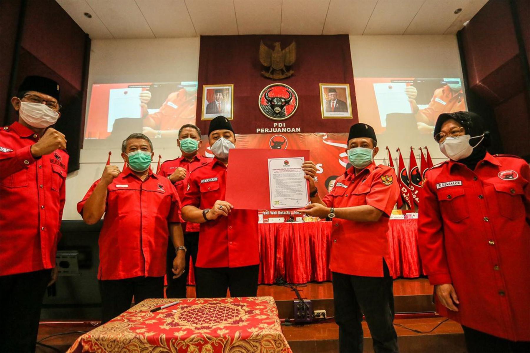 Eri Cahyadi dan Armuji Teken Komitmen Politik, Salah Satu Isinya soal Program Wong Cilik Bu Risma - JPNN.com