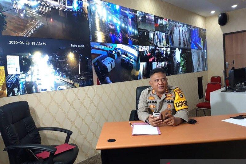 Pasutri Ditangkap di Depan Kantor Polisi, Barang Buktinya Banyak Banget - JPNN.com