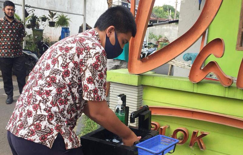 Rekind Salurkan Wastafel Tanpa Sentuh untuk Warga - JPNN.com