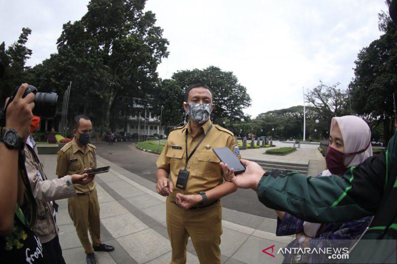 Sejumlah PNS Berkaraoke, Terancam Sanksi Potong TPP - JPNN.com