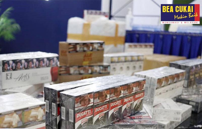 Jutaan Batang Rokok Ilegal Diamankan Bea Cukai, Ada yang Dijual lewat Media Sosial - JPNN.com