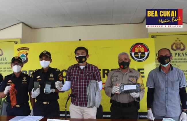 Sigap, Bea Cukai Endus Penyelundupan 3 Kg Sabu-sabu dan Tembakau Gorila - JPNN.com