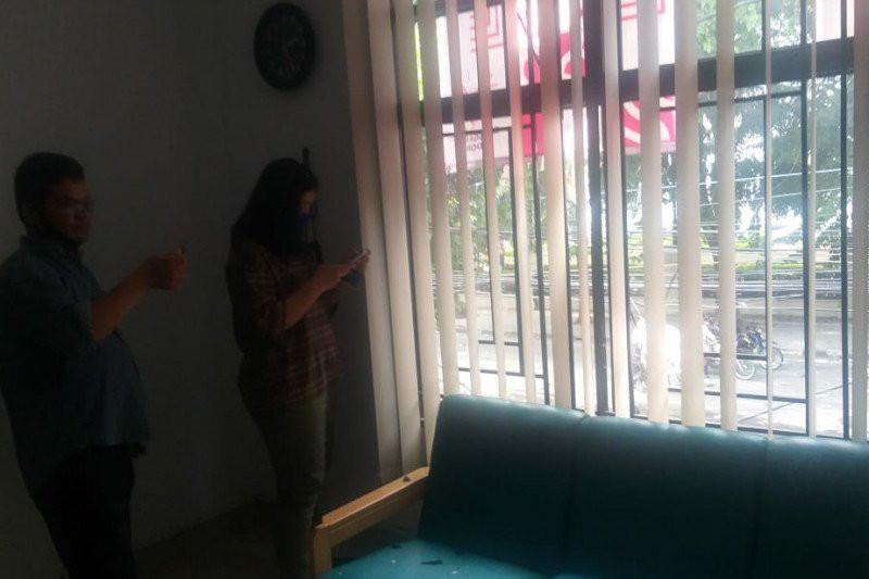 Demo Brutal di Medan, Pertokoan dan Kantor jadi Sasaran, Polwan Terluka - JPNN.com