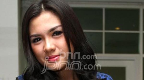 Vicky Shu Menangis Gegara Dibilang Gendut - JPNN.com