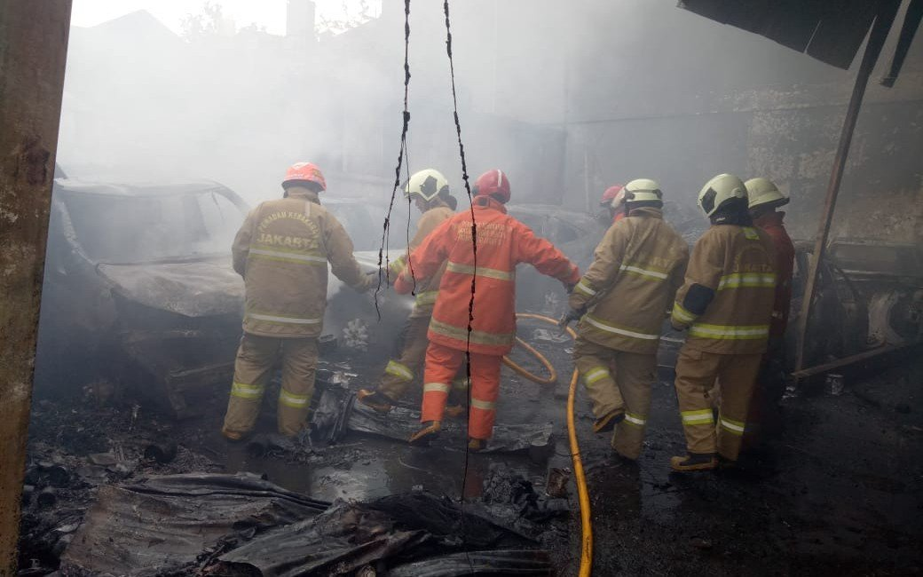 Polisi Ungkap Dugaan Penyebab Kebakaran Permukiman Padat Penduduk di Jalan Simprug Golf Jaksel - JPNN.com
