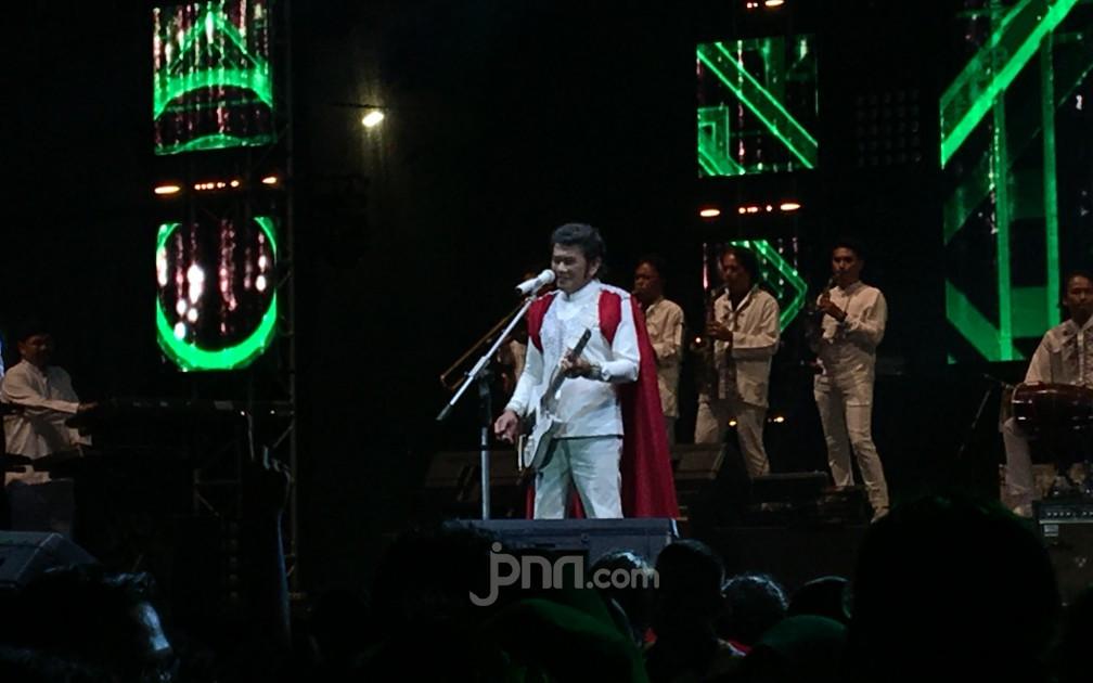 Rhoma Irama Berkolaborasi dengan Dipha Barus di Synchronize Fest 2020 - JPNN.com