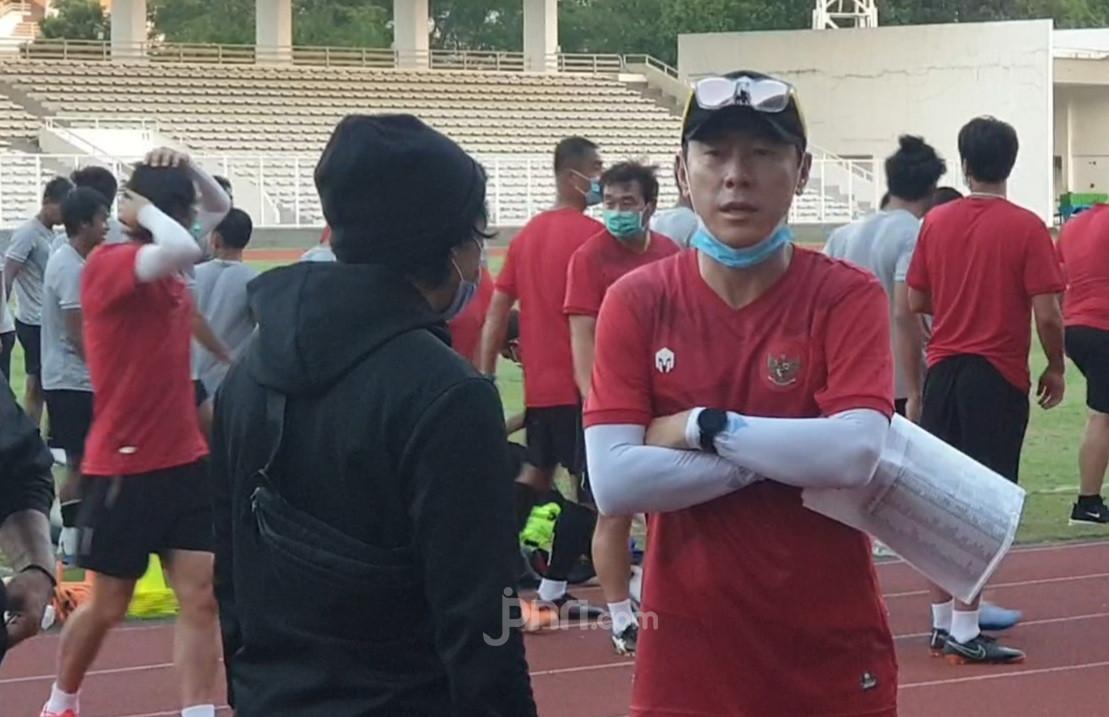 Shin Tae Yong Genjot Latihan, Pemain Timnas Indonesia Banyak Cedera - JPNN.com