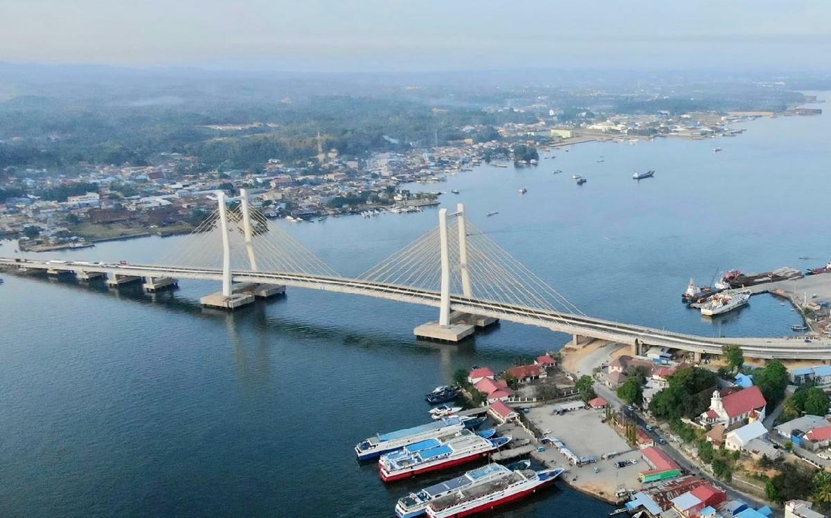 Jokowi Akhirnya Resmikan Jembatan Teluk Kendari - JPNN.com