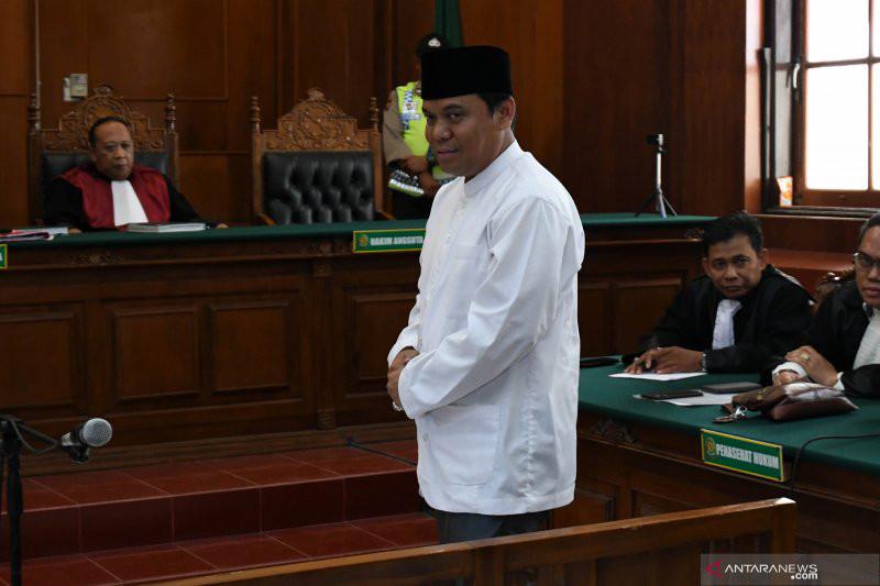 Detik-detik 30 Polisi Menangkap Gus Nur Tengah Mal