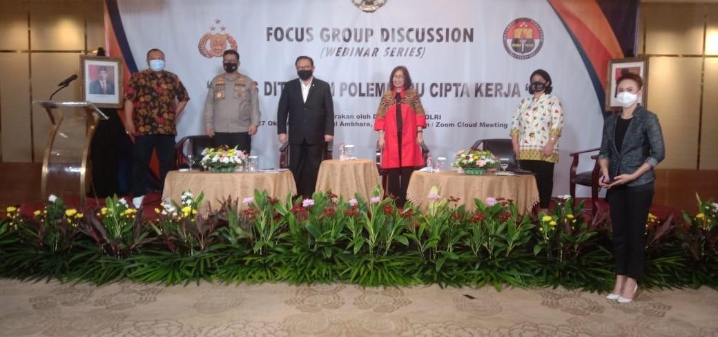 Agung Laksono Sebut Omnibus Law Cipta Kerja Merupakan Terobosan Hukum - JPNN.com