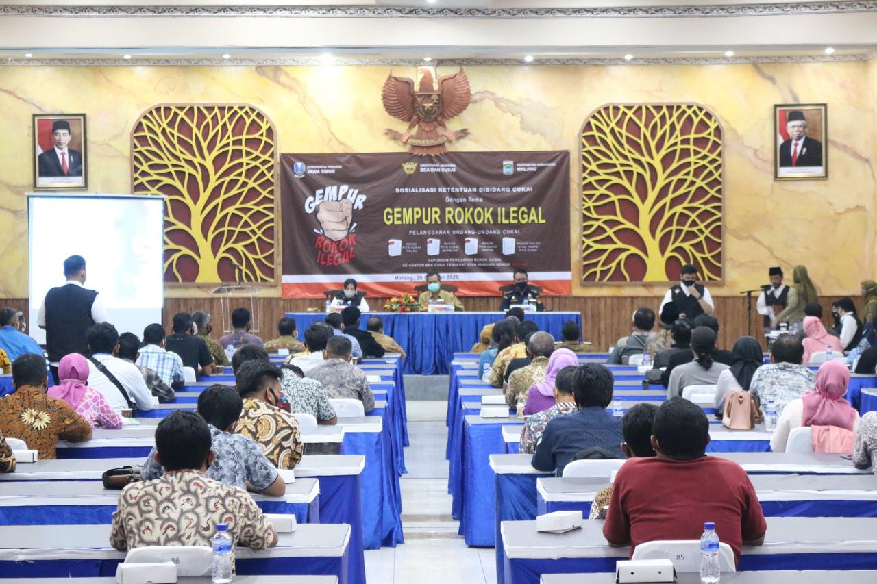 Bea Cukai Jatim II Sosialisasi Gempur Rokok Ilegal di Zona Merah - JPNN.com