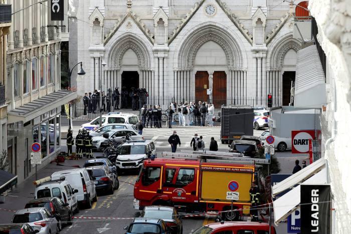 Pagi Berdarah di Gereja Prancis, Dua Jemaat Dipeng