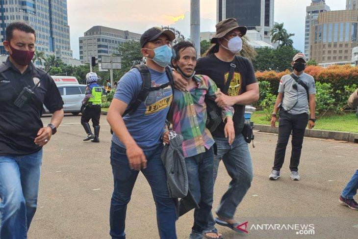 Demo Tolak UU Cipta Kerja Berjalan Lancar, Dua Orang Diamankan, tetapi Bukan Mahasiswa - JPNN.com