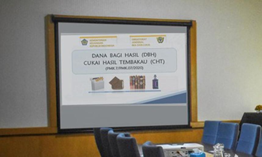 Bea Cukai Sosialisasikan Pemanfaatan DBHCHT ke Pemerintah Daerah - JPNN.com