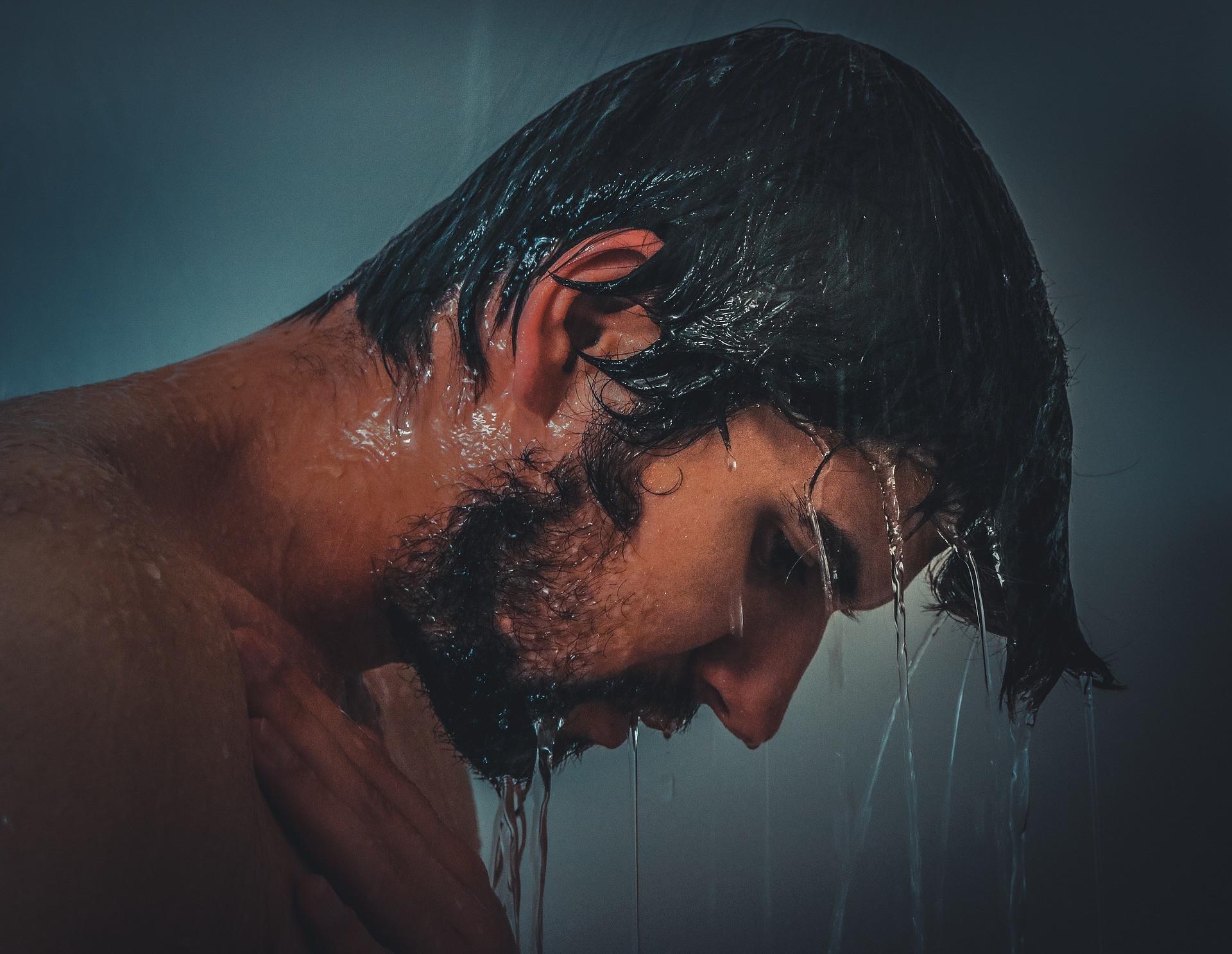 3 Sabun Mandi Terbaik untuk Pria dengan Aroma Maskulin - JPNN.com