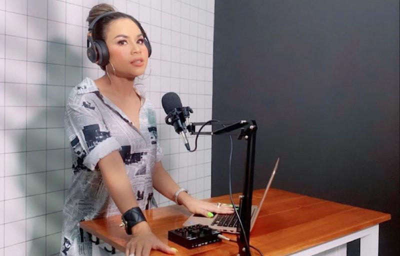 Melaney Ricardo Dilarikan ke Rumah Sakit, Suami Bilang Begini - JPNN.com