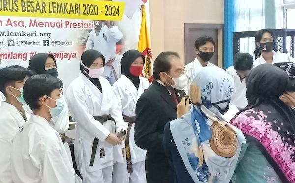 Sah! Senator Leonardy Harmainy Resmi Pimpin PB Lemkari - JPNN.com