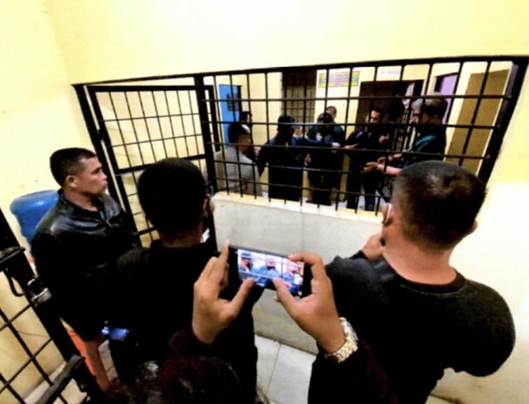 5 Berita Terpopuler: Istri Arie Untung Minta Cerai, Dua Prajurit TNI Dikeroyok Pengendara Moge, Dapat Kompensasi Rp 10,92 Miliar - JPNN.com