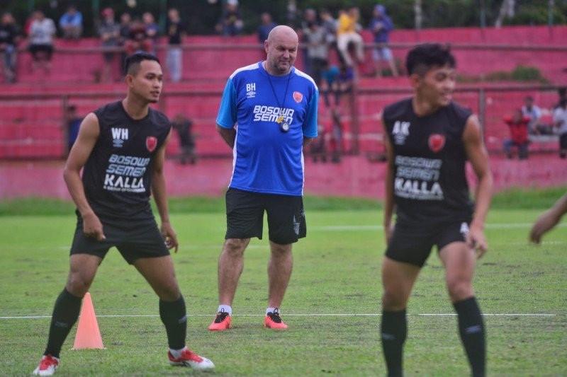 Bagaimana Ini? PSM Makassar Putus Komunikasi Dengan Pelatih Kepala - JPNN.com