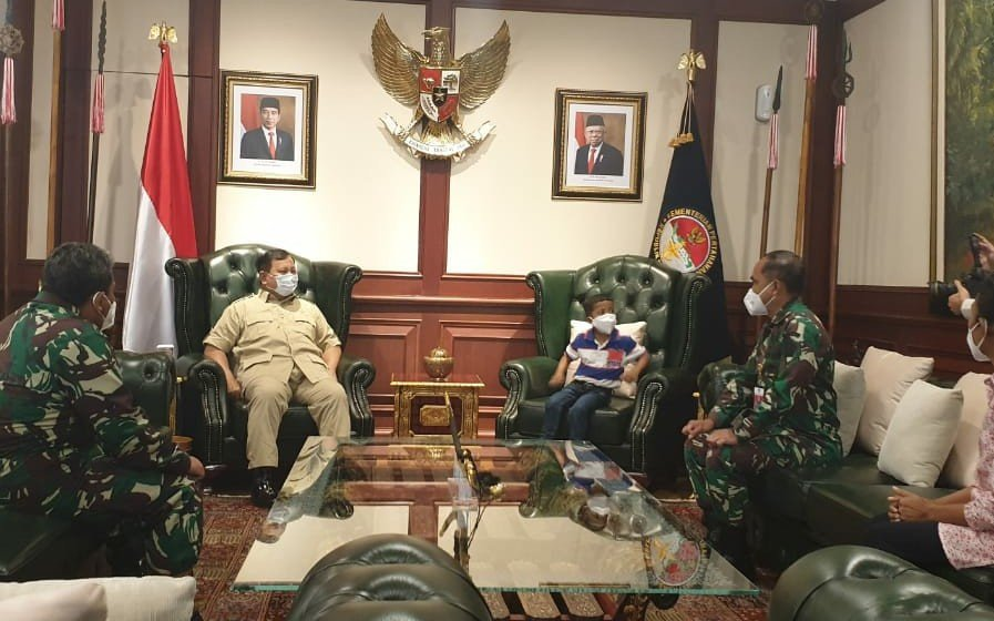 Cerita Menhan Prabowo Perintahkan Pusrehab Kemenhan Membantu Anak dari NTT - JPNN.com