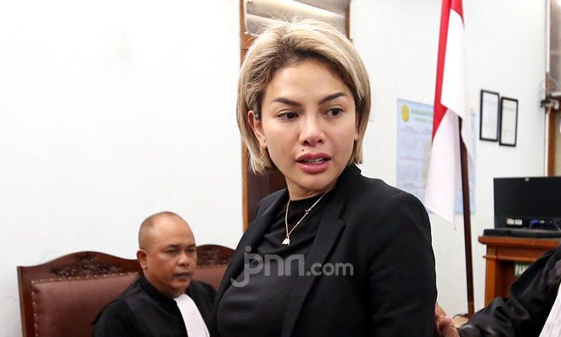 Diduga Hina Habib Rizieq, Nikita Mirzani Bakal Dilaporkan ke Polisi - JPNN.com