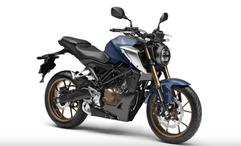 Honda CB125R Terbaru Hadir dengan Mesin Lebih Bertenaga - JPNN.com