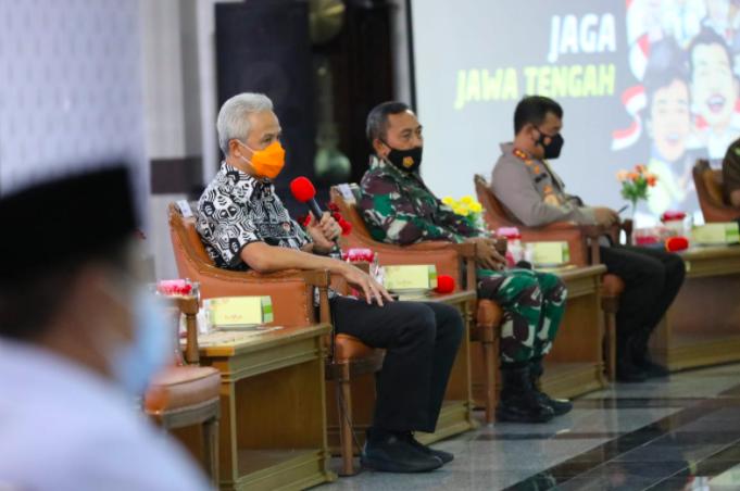 Ganjar Pranowo: Jika Ada yang Ganggu Ideologi, NKRI dan Pancasila, Kita Lawan! - JPNN.com
