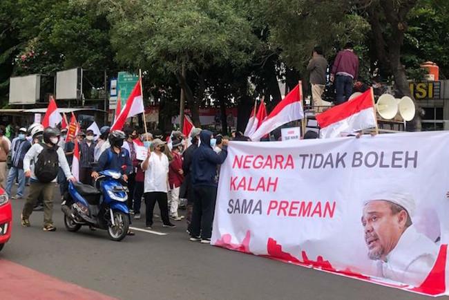 Dukung Mayjen Dudung Galak ke FPI, Laskar Pemuda Muslim Berdemo di Polda Metro - JPNN.com