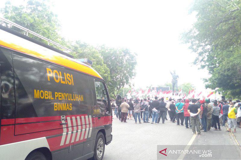 Warga Kota Solo Gelar Aksi Menolak Habib Rizieq, Sikap Polisi Tegas - JPNN.com