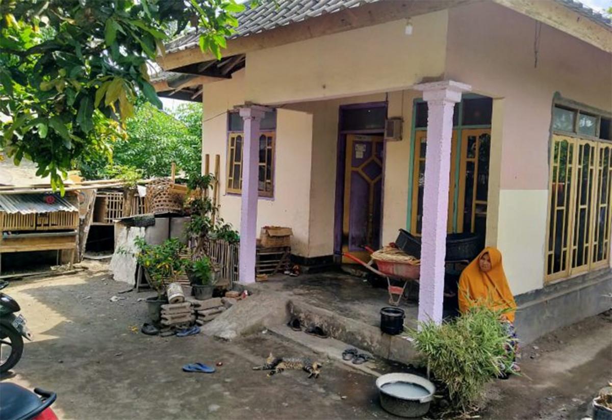 Istri Ustaz SA Kaget Saat Polisi Datang, Ternyata Suaminya Bukan Cuma Pedagang Buah - JPNN.com
