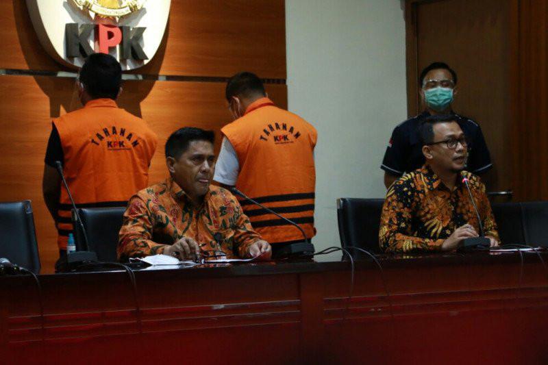 Hari Ini 2 Orang Dekat Edhy Prabowo Mengenakan Baju Tahanan KPK - JPNN.com