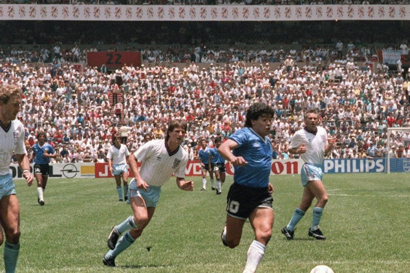 Mantan Pemain Inggris Itu Akhirnya Memaafkan Maradona - JPNN.com