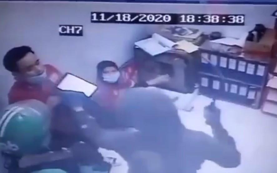Perampok Minimarket di Bekasi yang Viral Sudah Ditangkap, Ini Modusnya - JPNN.com