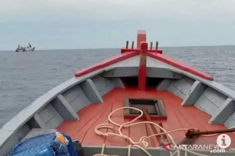 Duh, Kapal Asing Kembali Mencuri Ikan di Laut Natuna - JPNN.com