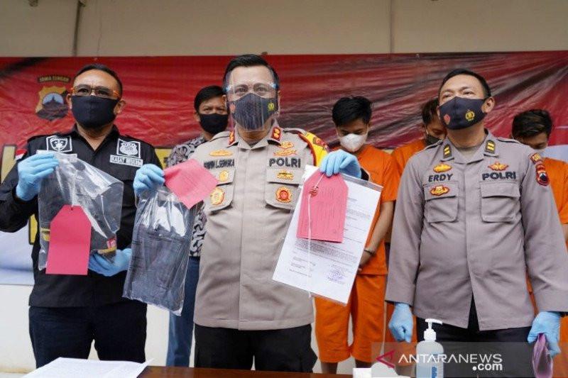 Usai Habisi Nyawa Istri, Dedi Kurniawan Hilangkan Jejak Pakai Cara Begini, Petugas Jeli, Terbongkar - JPNN.com