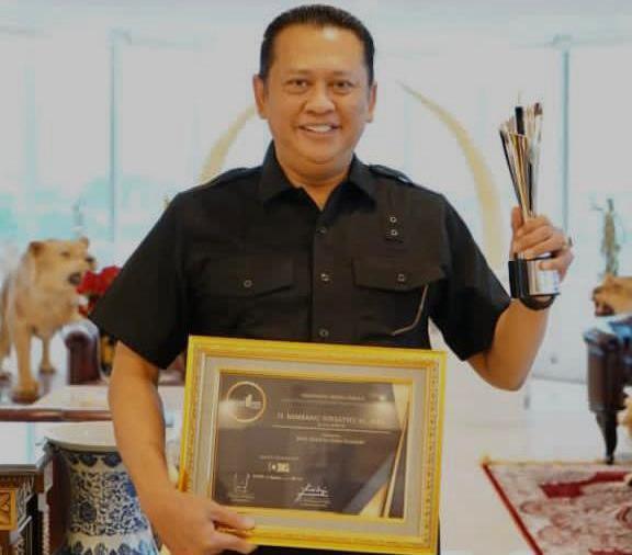 Ketua MPR Bambang Soesatyo Raih Penghargaan Best Institution Leader - JPNN.com