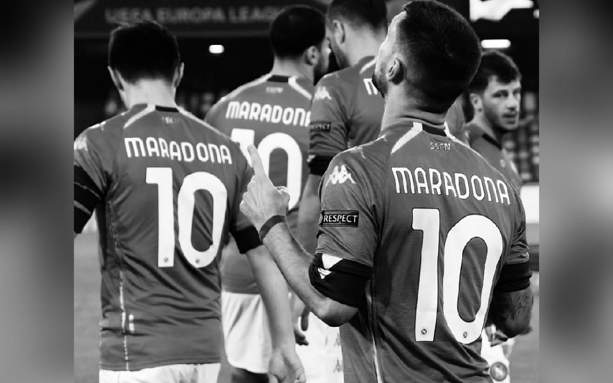Mengenang Maradona, Semua Pemain Napoli Pakai Jersey Nomor 10 di Europa League - JPNN.com