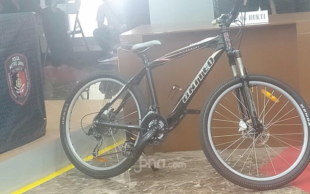 Spesialis Pencuri Sepeda Akhirnya Dibekuk, Polisi: Hasil Curian Dijual di Facebook - JPNN.com